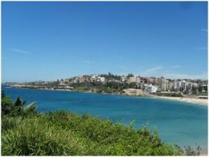 beach-walk-sydney