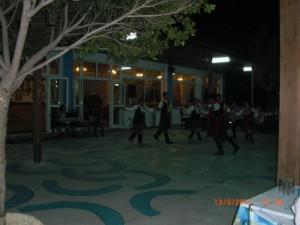greek-dancers